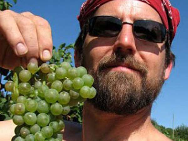 foto_mark_and_his_grapes_600x450