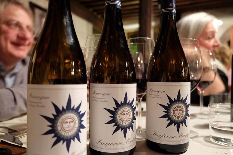 foto_mutiliana_bottles_on_the_table_800x533